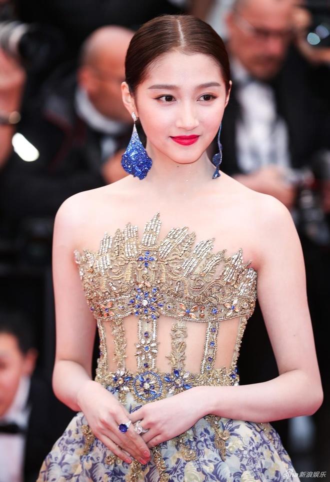 Sao nu Trung Quoc gay chu y o Cannes vi qua giong Song Hye Kyo hinh anh 6