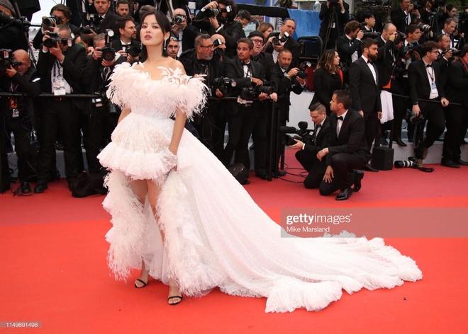 Sao nu Trung Quoc gay chu y o Cannes vi qua giong Song Hye Kyo hinh anh 4