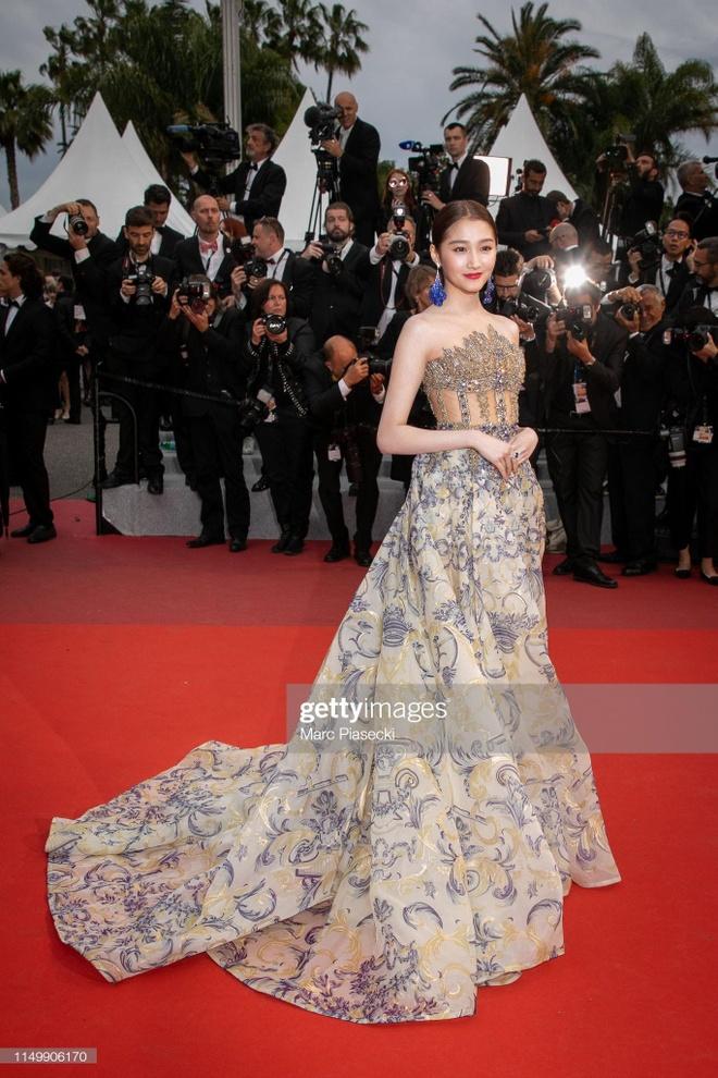 Sao nu Trung Quoc gay chu y o Cannes vi qua giong Song Hye Kyo hinh anh 7