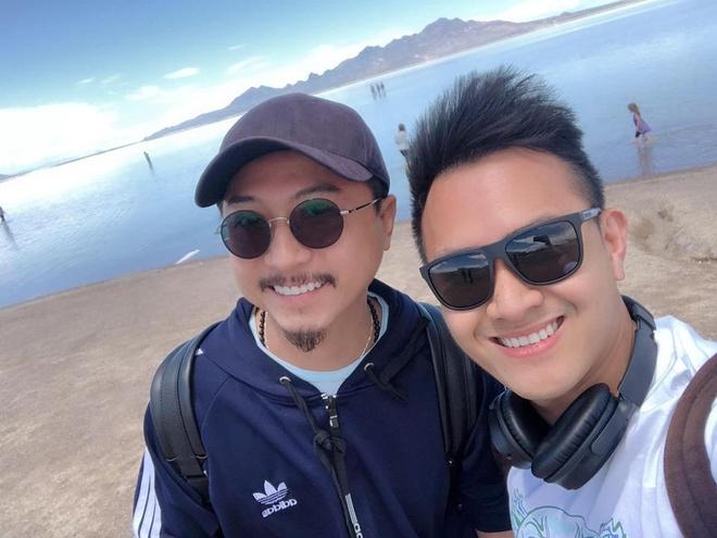 """Chia sẻ với Zing.vn, con trai nghệ sĩ Hoài Linh cho biết chưa bao giờ có ý định bước vào showbiz. Anh cho rằng: """"Con đường nghệ thuật không phải ai muốn cũng được. Đó là phước phần của từng người"""". Gần đây, anh bắt đầu thử sức thêm ở lĩnh vực nhiếp ảnh."""