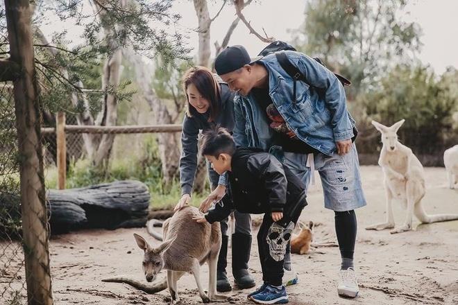 'Qua nhi, co co' Pham Van Phuong - Ly Minh Thuan du lich o Australia hinh anh 5