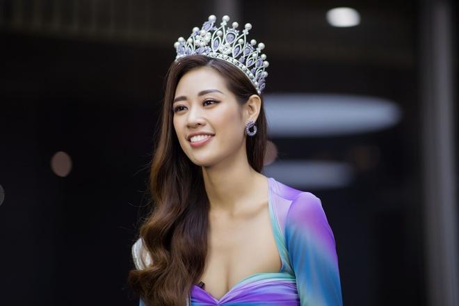 Khanh Van va Thuy Van thu tra loi cau hoi ung xu tai Miss Universe hinh anh