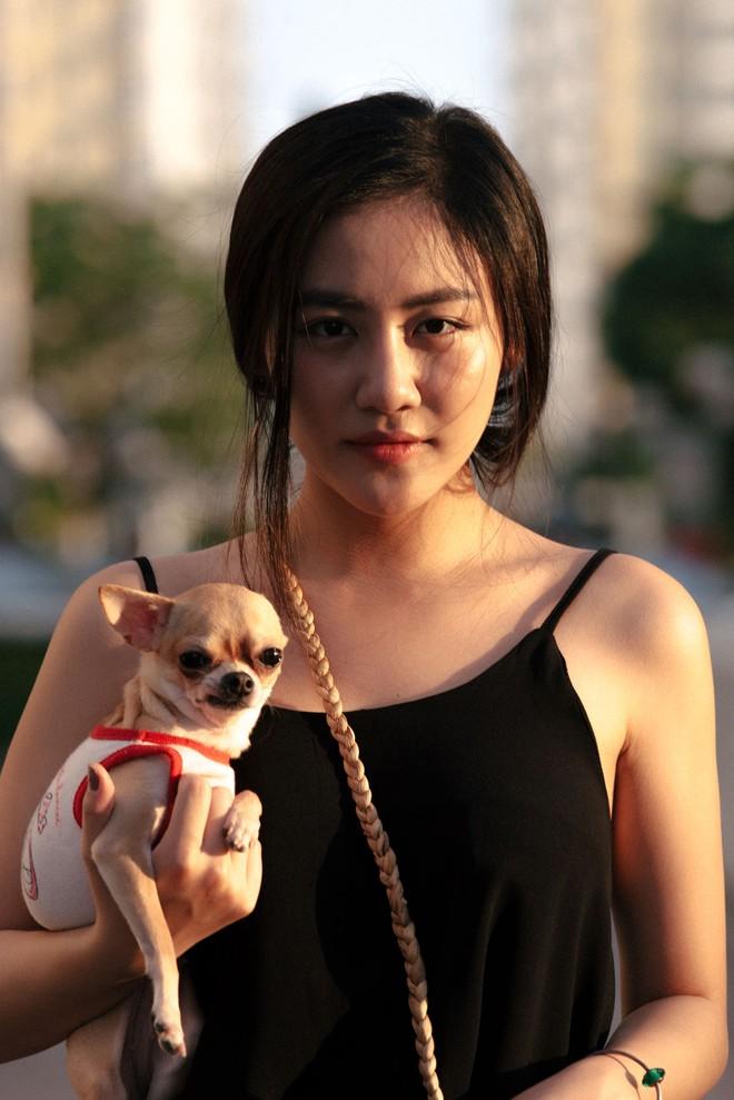 Van Mai Huong met moi sau vu lo 5 video nhay cam hinh anh 2 van_mai_huong_bi_nem_da_dao_duc_gia_khi_len_tieng_phan_doi_an_thit_cho_dong_hop_7ce707_2236.png