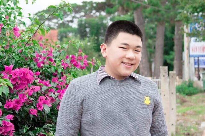 Nam sinh Đà Lạt lột xác sau khi giảm 25 kg trong vòng 2 năm