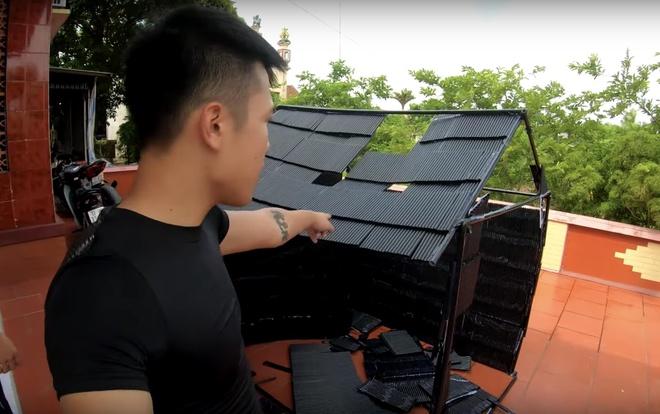 Bị chỉ trích vì làm nhà bằng 5.000 ống hút, vlogger vẫn cố 'phản pháo'