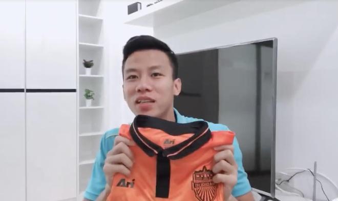 Van Toan ra vlog, thua nhan sang noi o cua Truong 'Hip' lay ao hinh anh 2