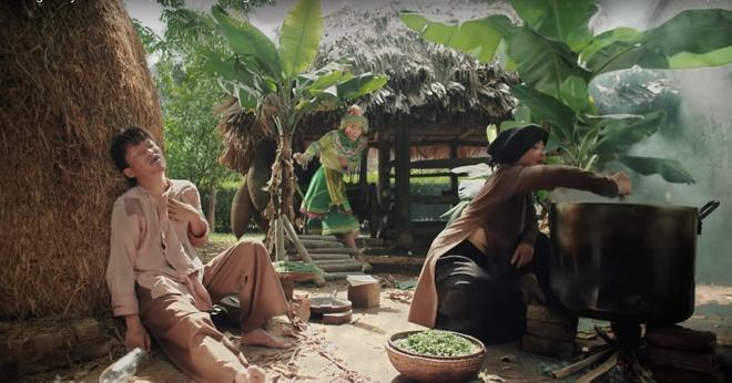 Dan mang thich thu voi 'vu tru van hoc' trong MV cua Hoang Thuy Linh hinh anh 5