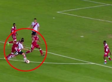 Pha di bong ghi ban nhu Messi hinh anh