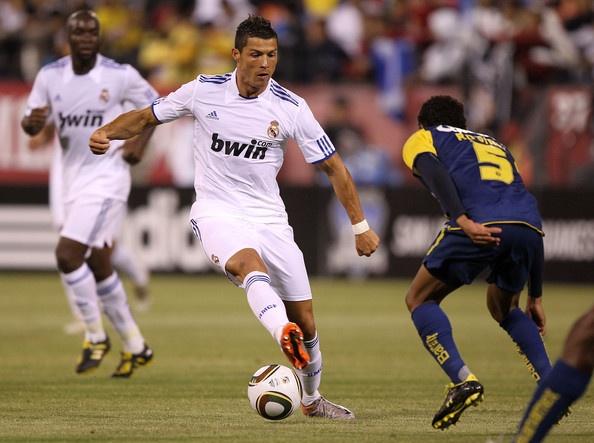 Nhung pha bong an tuong nhat thang 2 cua Cristiano Ronaldo hinh anh