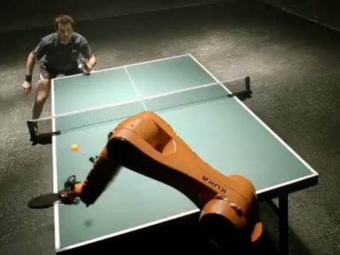 Robot thang cuu tay vot bong ban so 1 the gioi hinh anh