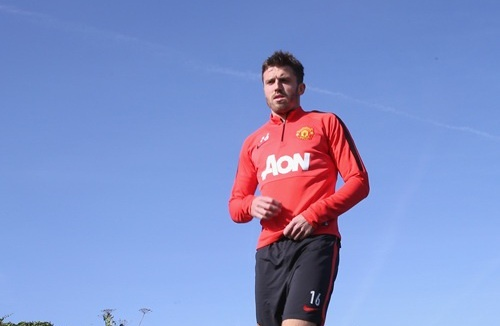 Manchester United don 7 benh binh tro lai hinh anh 1 Carrick đã trở lại tập luyện cùng toàn đội. Ảnh: Express.