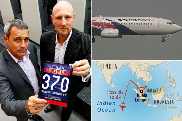 """Ewan Wilson và Geoff Taylor đồng phát hành cuốn sách """"Goodnight Malaysia 370"""". Ảnh: Mirror"""