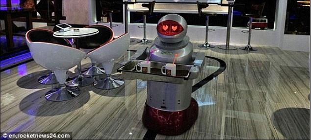 Robot lam nhan vien nha hang o Trung Quoc hinh anh 4 Số lượng nhà hành và khách sạn ở Trung Quốc sử dụng robot làm nhân viên ngày càng tăng.