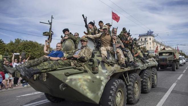 Ukraine khoe viec cac nuoc NATO vien tro vu khi hinh anh
