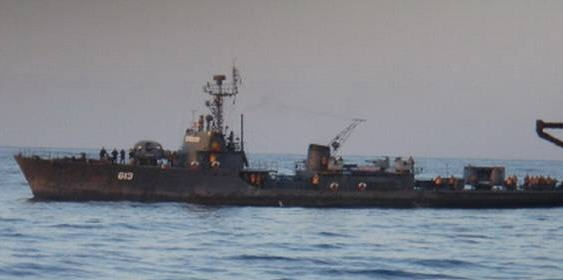 Kho tau chien cu ky cua Trieu Tien hinh anh 2 Sariwon là lớp tàu hộ tống thiết kế dựa trên tàu quét mìn lớp Tral của Liên Xô. Nó đóng mới tại Triều Tiên vào khoảng những năm 1960, có 5 chiếc đang hoạt động. Sariwon có chiều dài 61,5 mét, rộng 7,4 mét, mớn nước 2,4 mét, lượng giãn nước toàn tải 650 tấn.