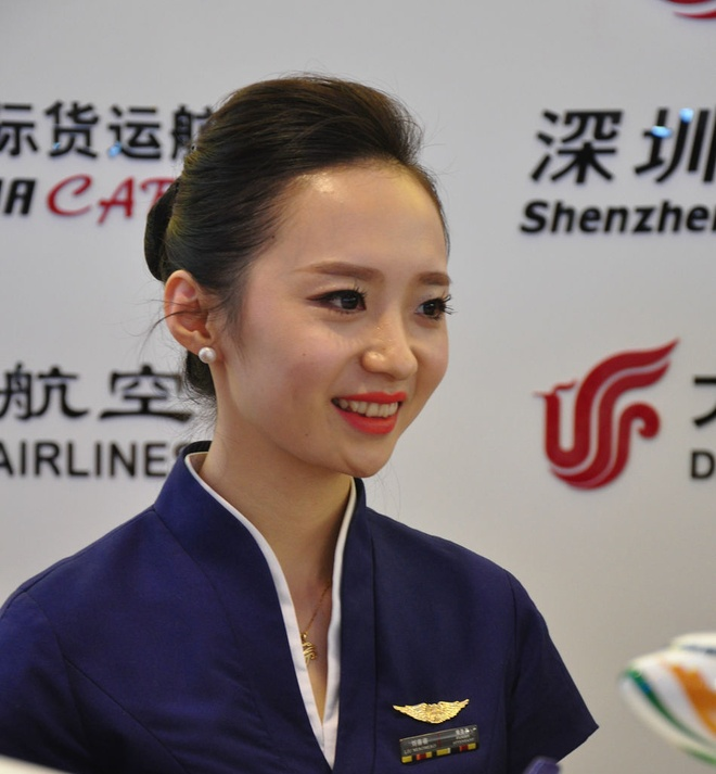Nhung 'bong hong' tai China Airshow 2014 hinh anh 5 m