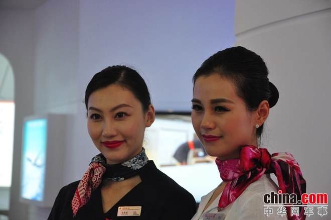 Nhung 'bong hong' tai China Airshow 2014 hinh anh 7 m