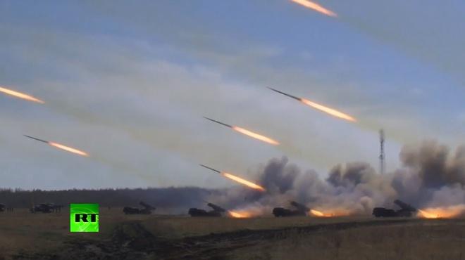 Năm 2014, quân đội Nga đã tổ chức hàng loạt cuộc tập trận quân sự quy mô lớn nhằm cảnh báo phương Tây