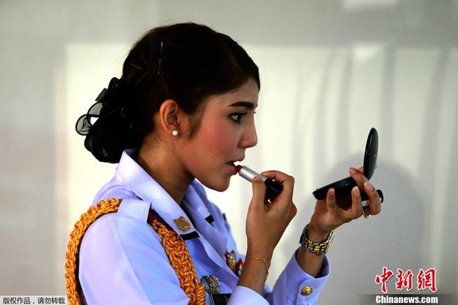 Một nữ cảnh sát Thái Lan