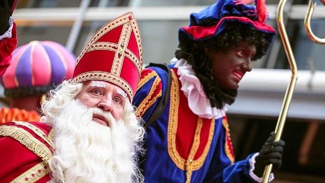 Zwarte Piet  đi cùng