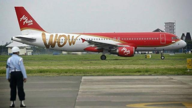 May bay AirAsia chet may kem theo tieng no lon hinh anh 1