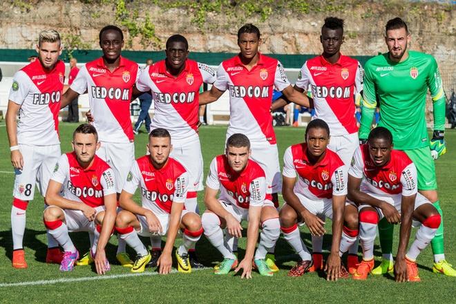 Cuoc song giau sang o dat nuoc nho thu nhi the gioi hinh anh 8 AS Monaco, đội bóng đá lớn nhất quốc gia, thường chơi trong Ligue 1, giải đấu hạng cao nhất của đội bóng Pháp. Theo thống kê, sân vận động của đội,  Stade Louis II, có thể chứa hơn một nửa dân số của Monaco.