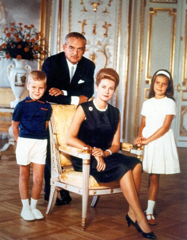 Cuoc song giau sang o dat nuoc nho thu nhi the gioi hinh anh 6 Năm 1956, nữ diễn viên người Mỹ, Grace Kelly, đã kết hôn với Rainier III, Hoàng tử Monaco, để trở thành công chúa của Monaco.
