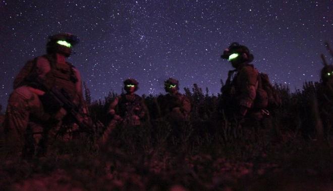 Nhung 'bong ma' dac nhiem My trong dem hinh anh 1 Quân đội Mỹ là lực lượng có trang bị cá nhân hàng đầu thế giới.