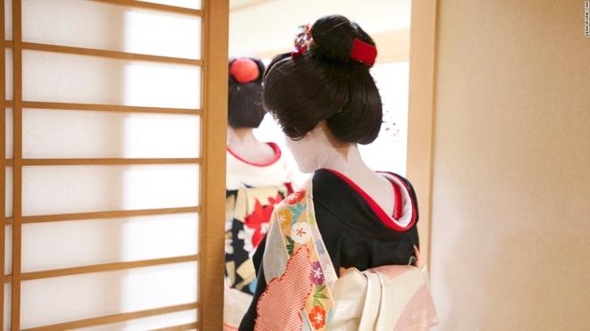 Cau chuyen ve gai Tay tro thanh mot geisha hinh anh