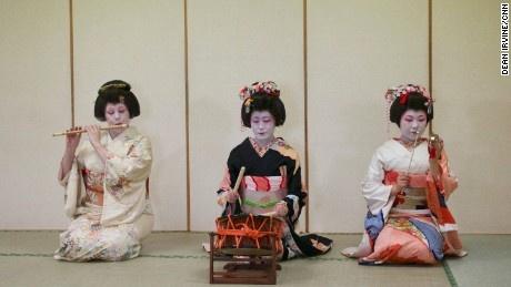 Cau chuyen ve gai Tay tro thanh mot geisha hinh anh 4