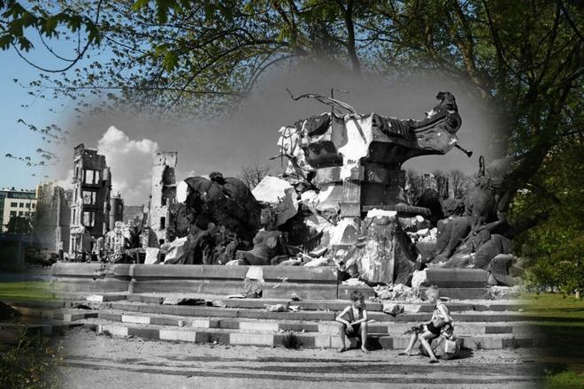 70 nam sau The chien II: Berlin ngay ay - bay gio hinh anh 4 Hai cậu bé ngồi trước đống đổ nát của đài phun nước Hercules tại Luetzowplatz và hình ảnh công viên được xây dựng lên sau 70 năm sau đó.