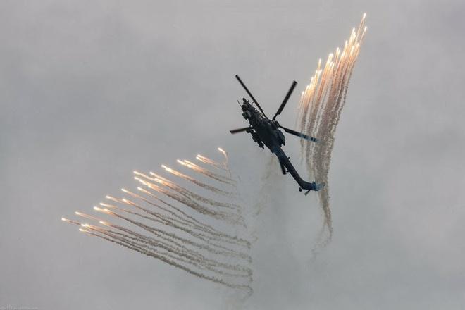 Tho san dem Mi-28N pho dien hoa luc hinh anh
