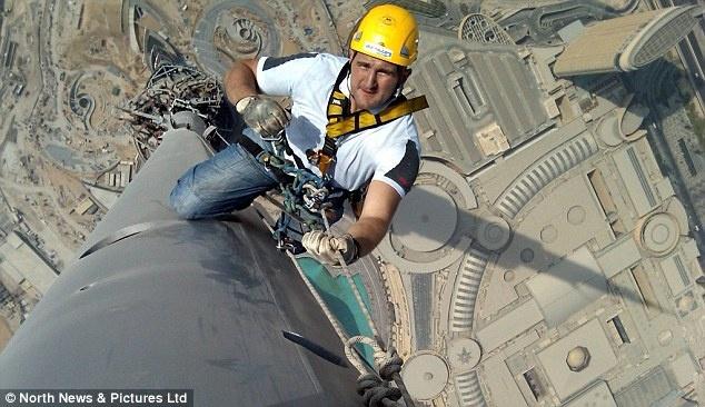'Nguoi nhen' lau nha choc troi Dubai bang cach nao? hinh anh