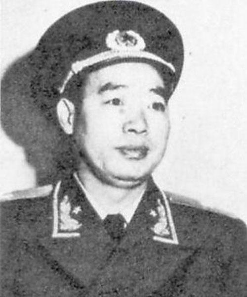 Can ve than tin cua Mao Trach Dong qua doi hinh anh