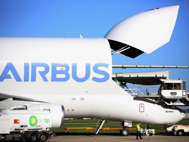 Ben trong nha may lap rap may bay Airbus o Trung Quoc hinh anh 4