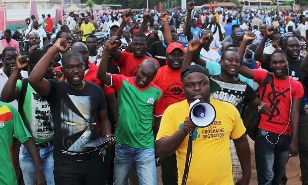 Quan doi Burkina Faso dao chinh truoc bau cu hinh anh 2