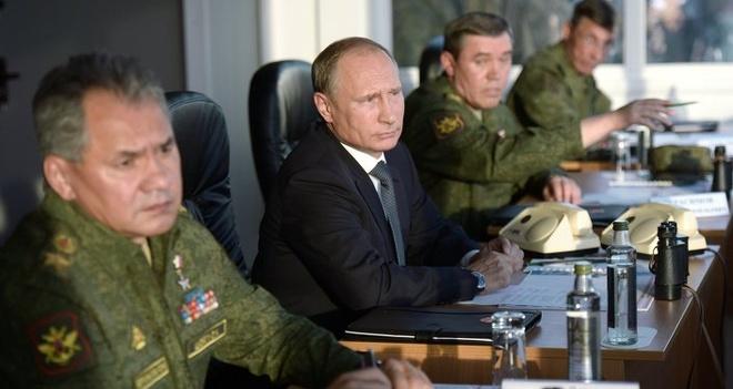 Putin theo doi tap tran lon nhat nam cua Nga hinh anh 5