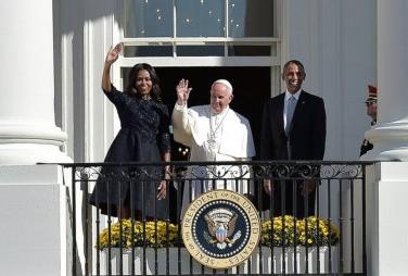 Tong thong Obama va Giao hoang tang gi cho nhau? hinh anh