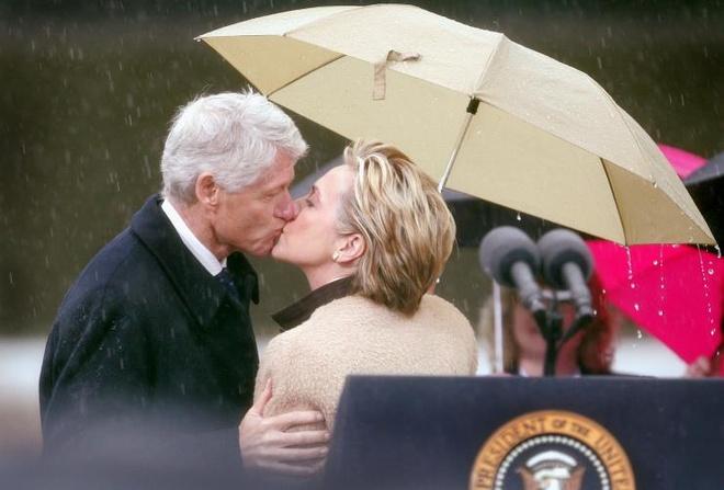 Chuyen tinh 40 nam thang tram cua vo chong Bill Clinton hinh anh