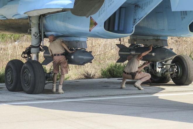 Chien dau co Su-34 se dat hang sau dot doi bom IS hinh anh 2 a