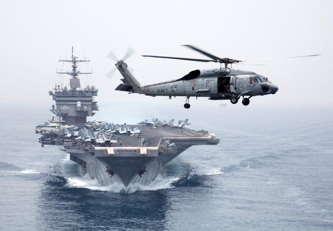 So tin tac, Hai quan My dinh huong bang cac vi sao hinh anh 1 Tân binh của Hải quân Mỹ bắt đầu học môn hàng hải thiên văn từ mùa thu năm 2015. Ảnh: AP