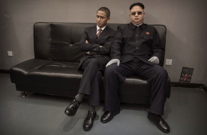 Ban sao Obama va Kim Jong Un dong phim chung hinh anh