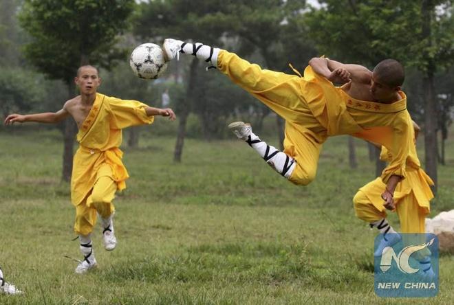 Trung Quoc lap doi bong da Thieu Lam hinh anh 1