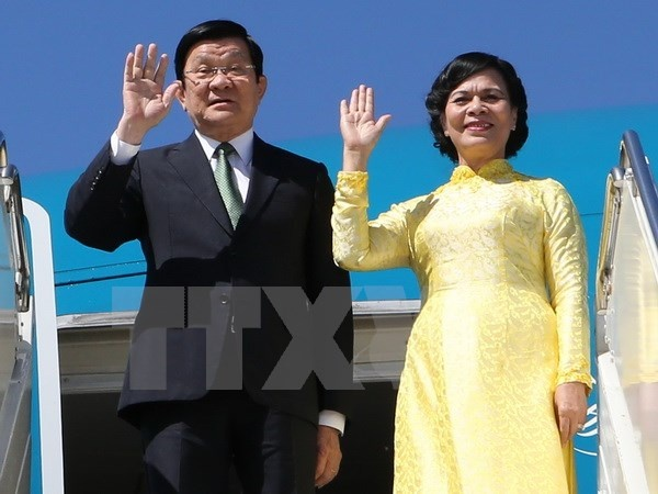Chu tich nuoc Truong Tan Sang den Philippines du APEC hinh anh