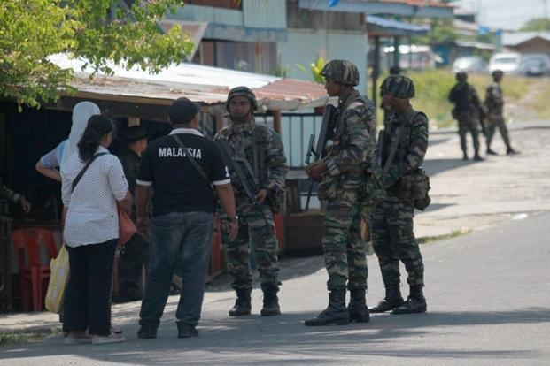 Malaysia bat 5 ke tinh nghi lien quan den IS hinh anh