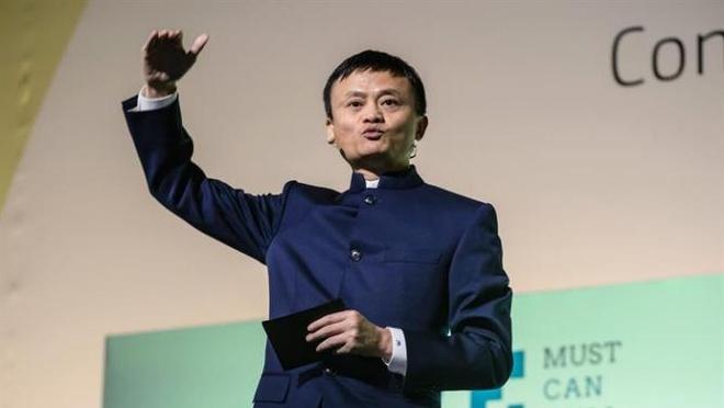 Tham vong cua Alibaba qua viec mua bao SCMP hinh anh