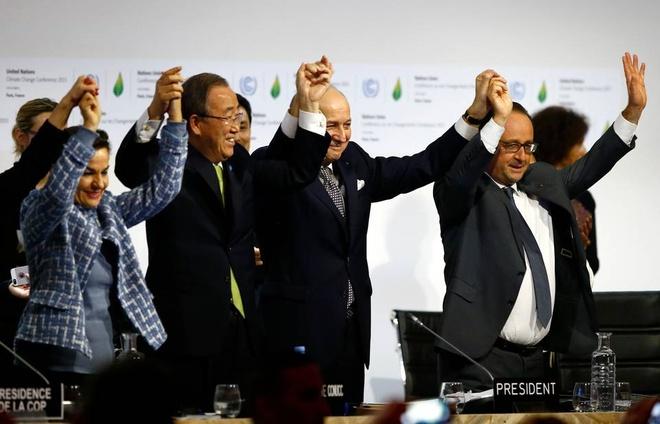 COP21 thong qua thoa thuan lich su ve khi hau hinh anh