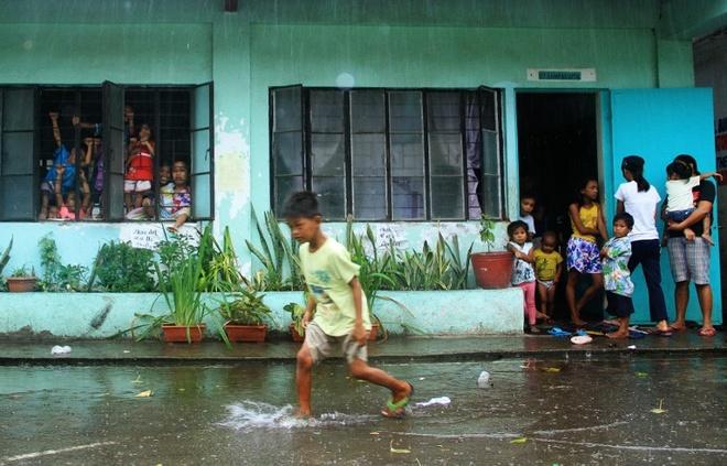 Philippines hứng chịu khoảng 20 cơn bão mỗi năm, phần lớn các cơn bão mạnh đều xuất hiện vào cuối năm. Bão Koppu từng khiến 54 người thiệt mạng và buộc hang nghìn người phải sơ tán khi đổ bộ hồi tháng 10. Ảnh: Reuters