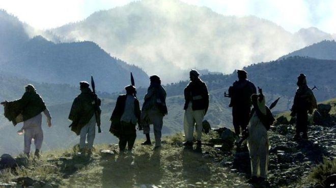 Phien quan Taliban dau tranh sinh ton voi IS hinh anh