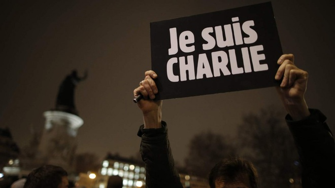Charlie Hebdo ra an pham dac biet tuong niem 1 nam khung bo hinh anh